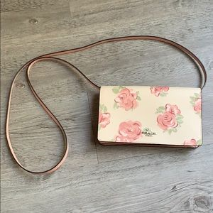 COACH pink floral wallet clutch strap crossbody